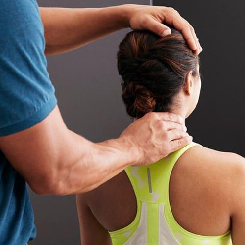 tham-kham-benh-nhan-chiropractic